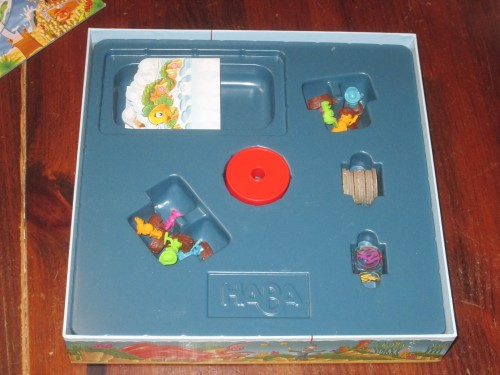 The insert for Titus Tentacle holds everything, including Titus and the game board.