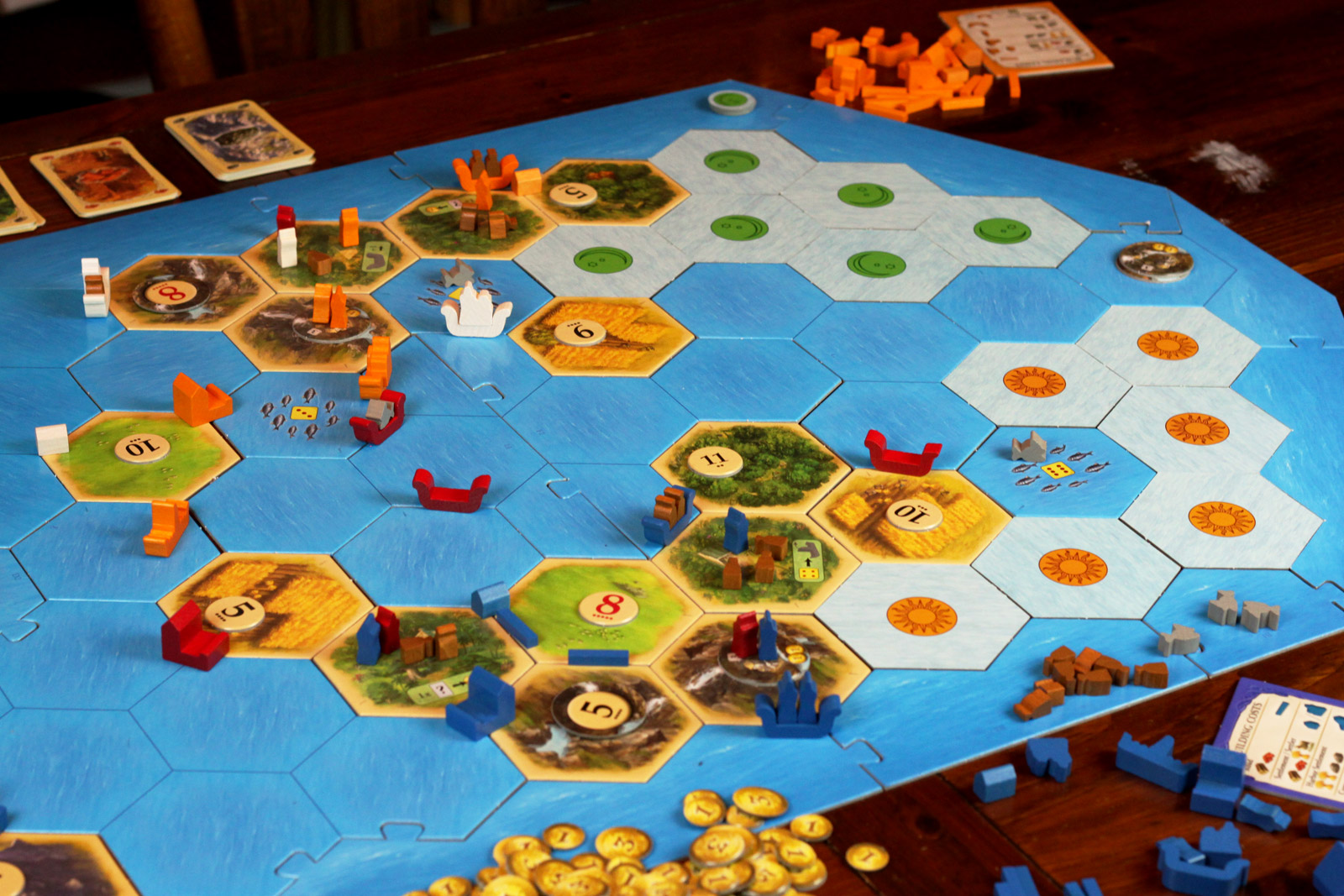 review  catan  explorers and pirates
